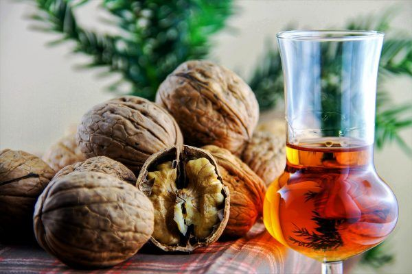 nocino benefits, healthy liquor recipe, parasite remedy, green walnuts, thyroid cure, amaretto, healthy beverages, healthy drinks, natural remedies, body detox, colon cleanse, colon detox, parasite cleanse, body purification #healthydrinks #naturalremedies #thyroidremedies #coloncleanse #nocino #amaretto #immuneboosters